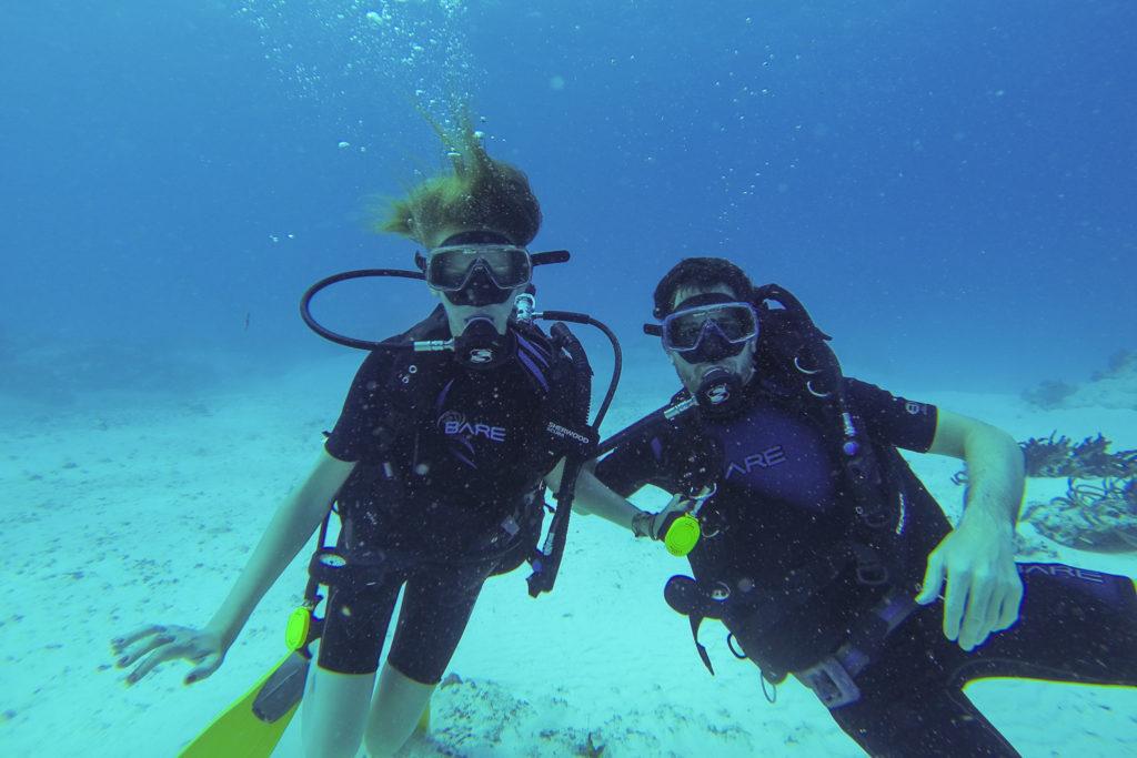 Plongée au large de l'île de Cozumel sur la barrière de corail du Mexique