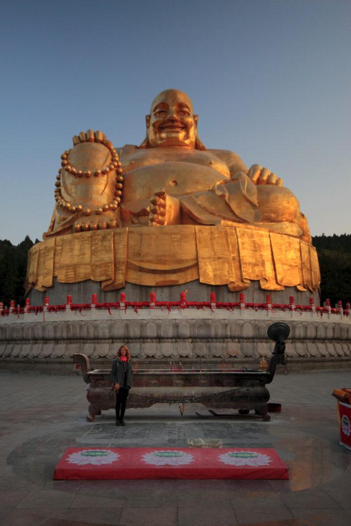Bouddha géant de la colline aux 1000 bouddhas, Jinan