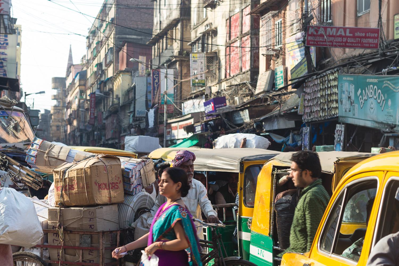 Dans les rues bondées de Calcutta, Inde