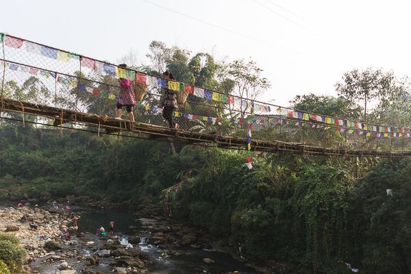 Pont suspendu vers Pokhara, Népal