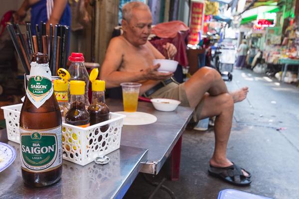 Restaurant de rue à Saïgon ou Hô-Chi-Minh-Ville,Vietnam