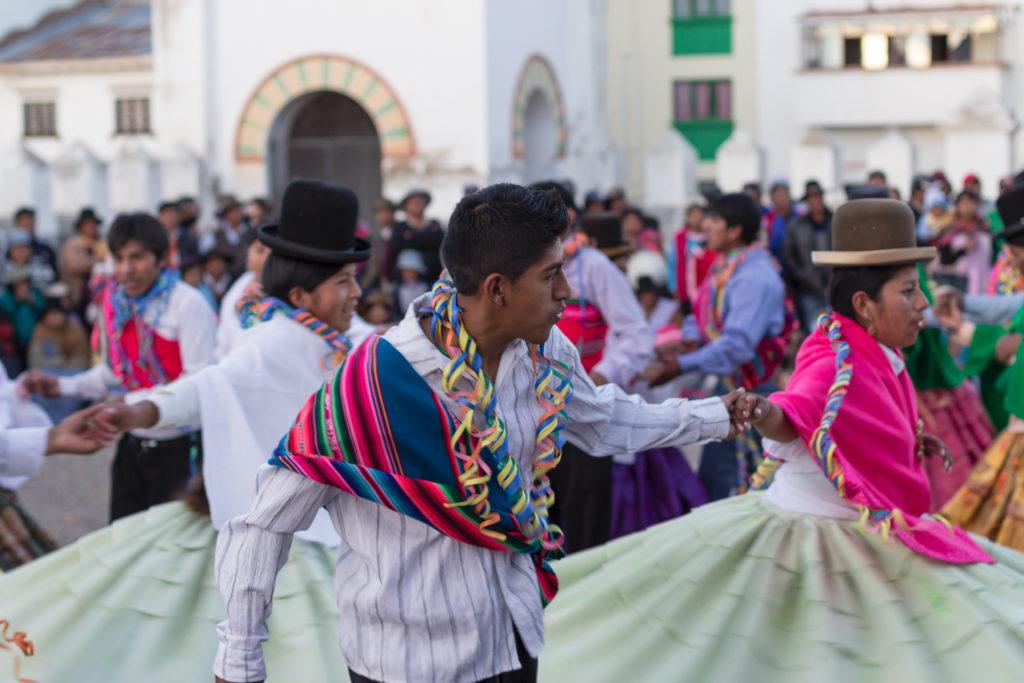 Danses pour la fête de la Vierge à Copacabana, Lac Titicaca, Bolivie