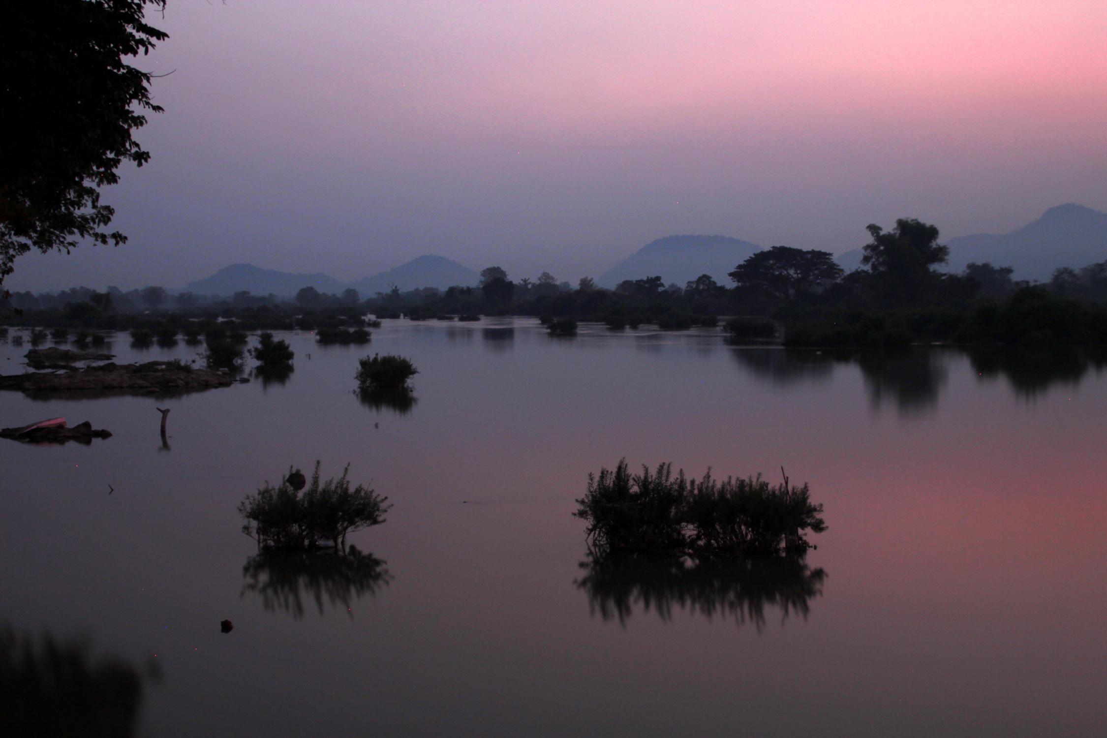 Coucher de soleil sur le Mékong aux 4000 îles, Laos