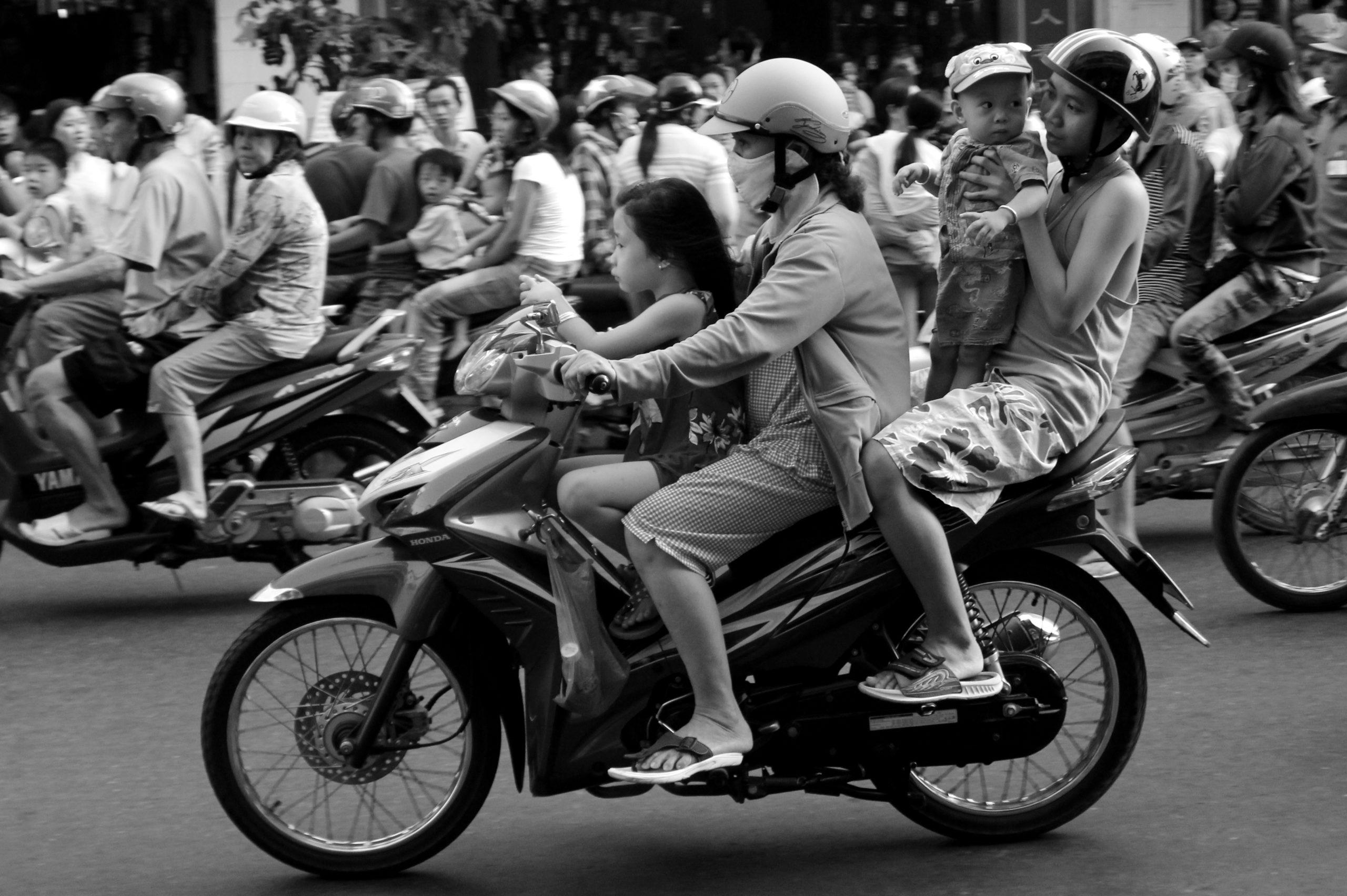 Scooters dans les rues du Vietnam