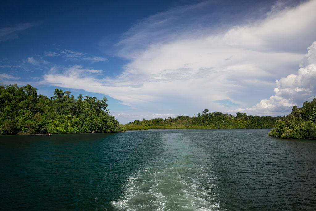 Sur le bateau pour les îles Togian, Sulawesi, Indonésie
