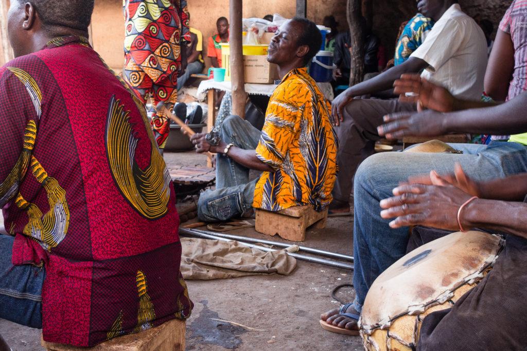 Musiciens au cabaret Poto Poto, Bobo Dioulasso, Burkina Faso