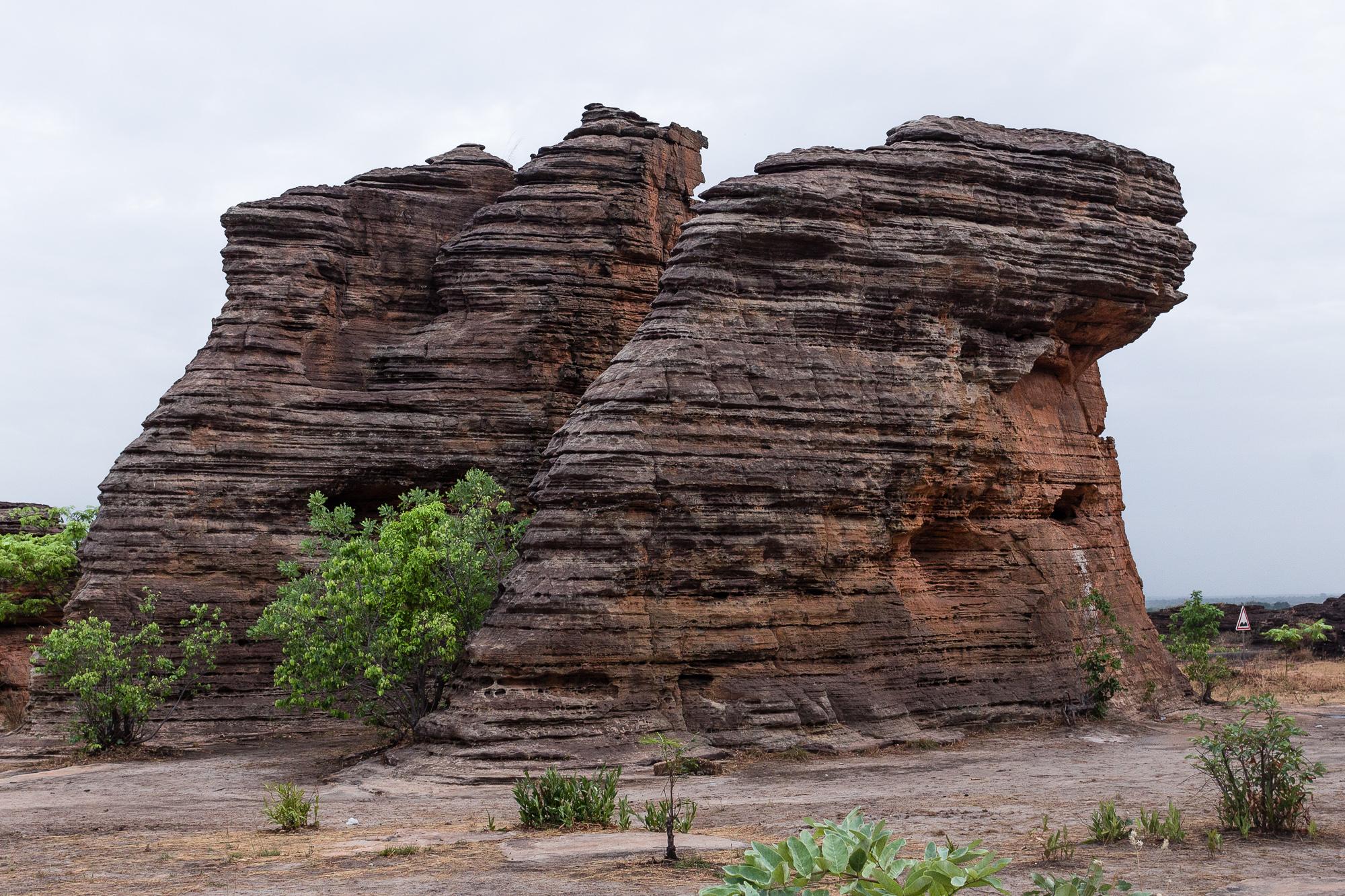 Les strates des dômes de Fabédougou, région de Banfora, Burkina Faso