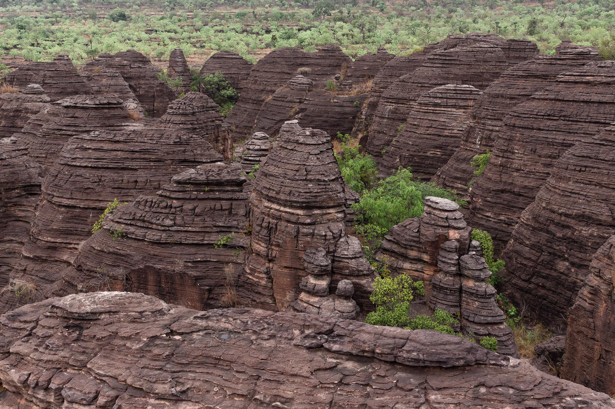 Les dômes de Fabédougou dans la forêt, région de Banfora, Burkina Faso