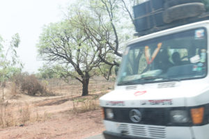 Taxi-brousse la Tempête, sur la route, Burkina Faso