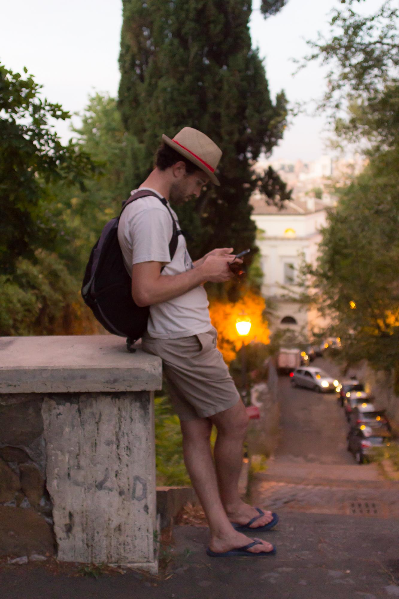 Petite pause sur la montée de la colline du Janicule, Rome, Italie