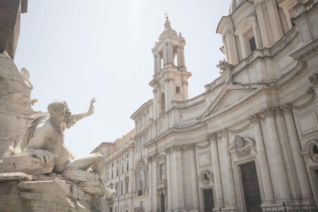 Statue du dieu-fleuve Río de la Plata de la Fontaine des Quatre-Fleuves, Église Sainte Agnès en Agone, Rome, Italie