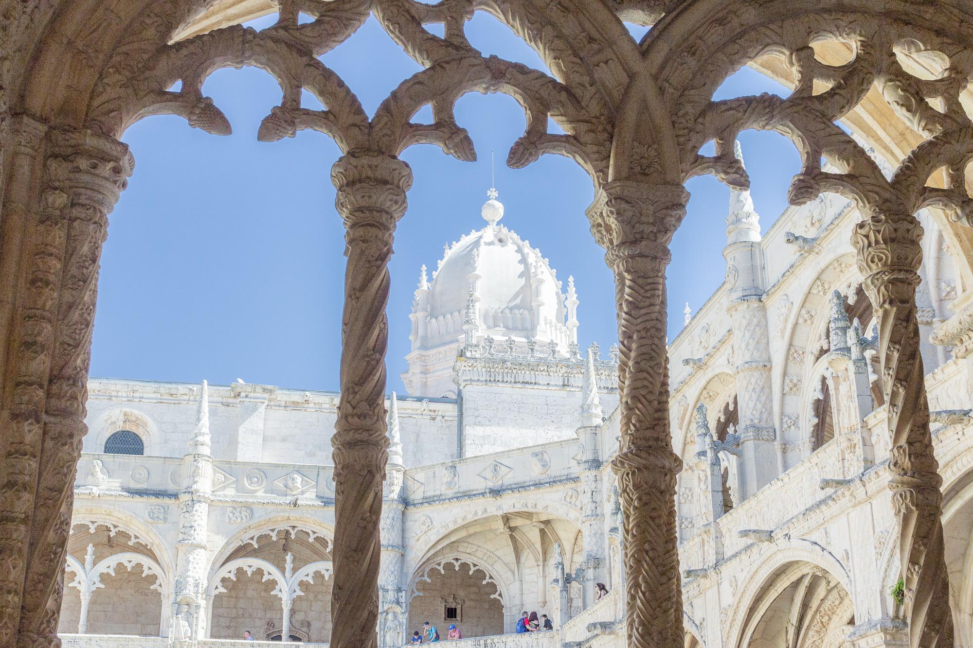 Arches sculptées du cloître du monastères des Hiéronymites, Belém, Lisbonne, Portugal