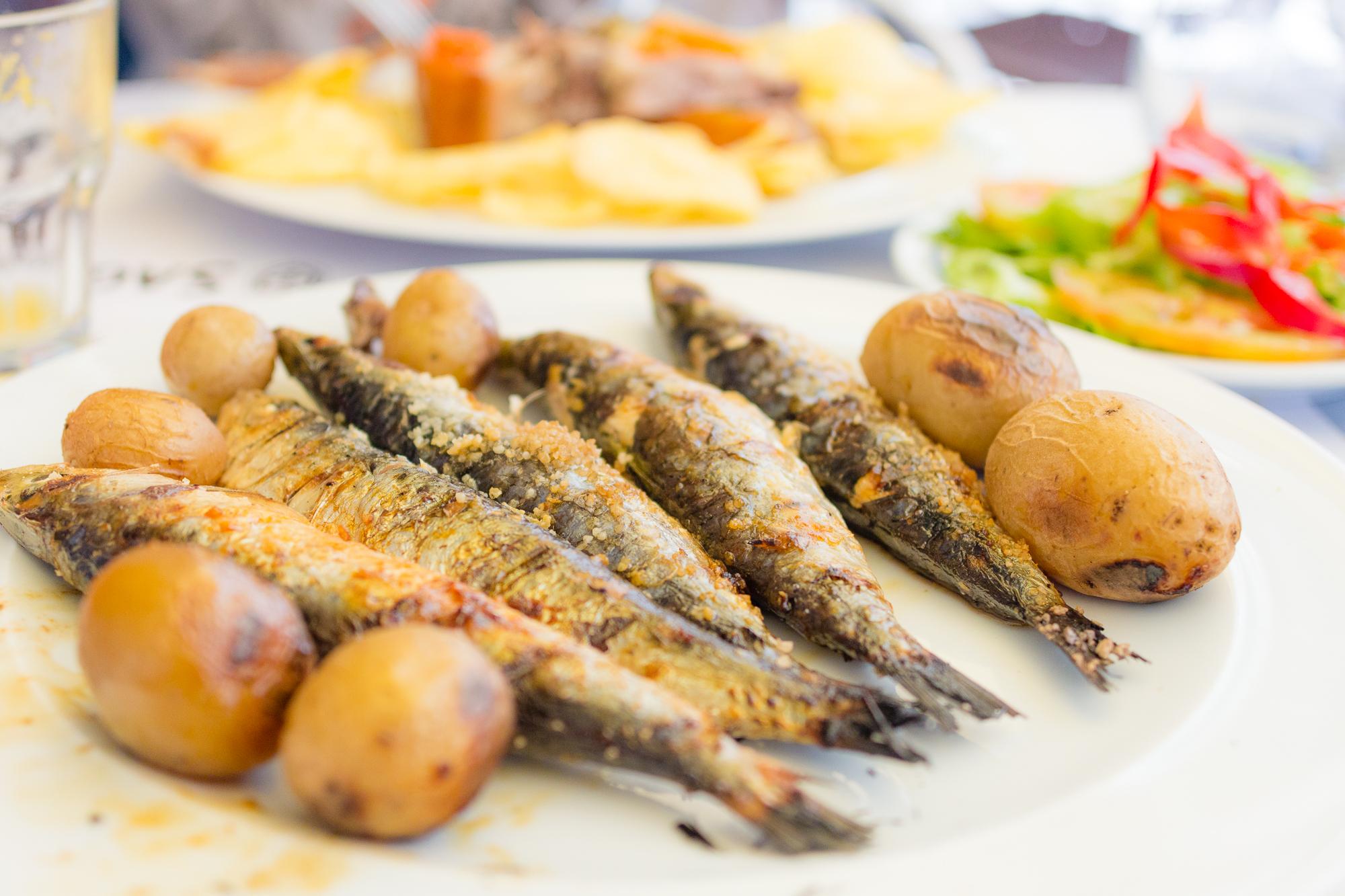 Sardines grillées, Lisbonne, Portugal