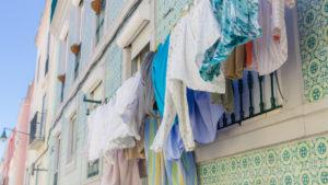 Linge qui sèche à Graça, Lisbonne, Portugal