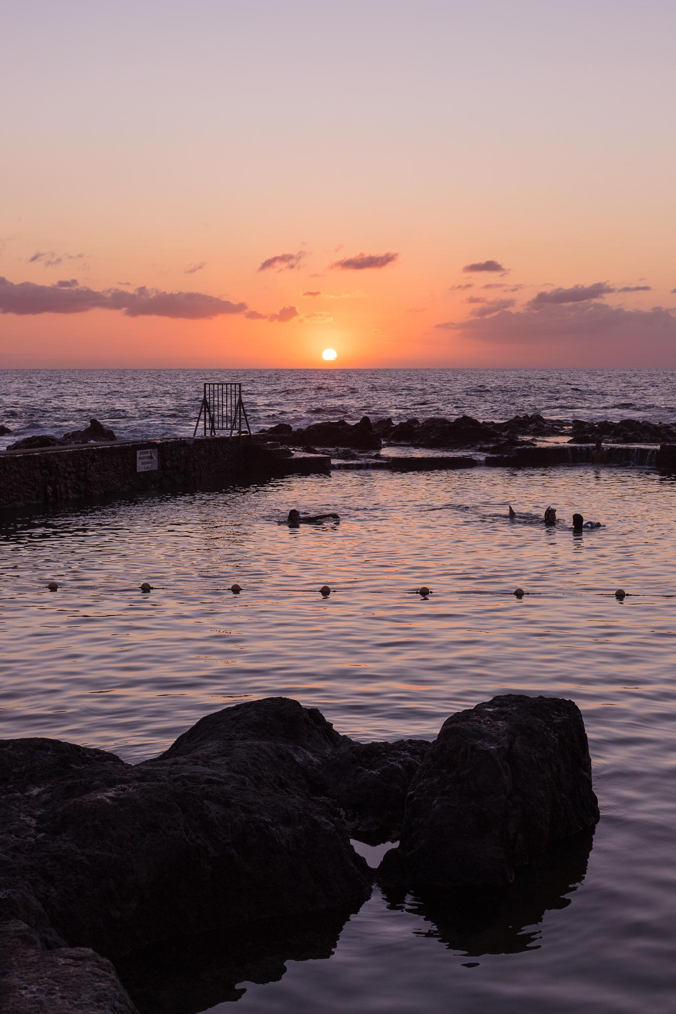 Coucher de soleil sur le bassin de Boucan-Canot, La Reunion