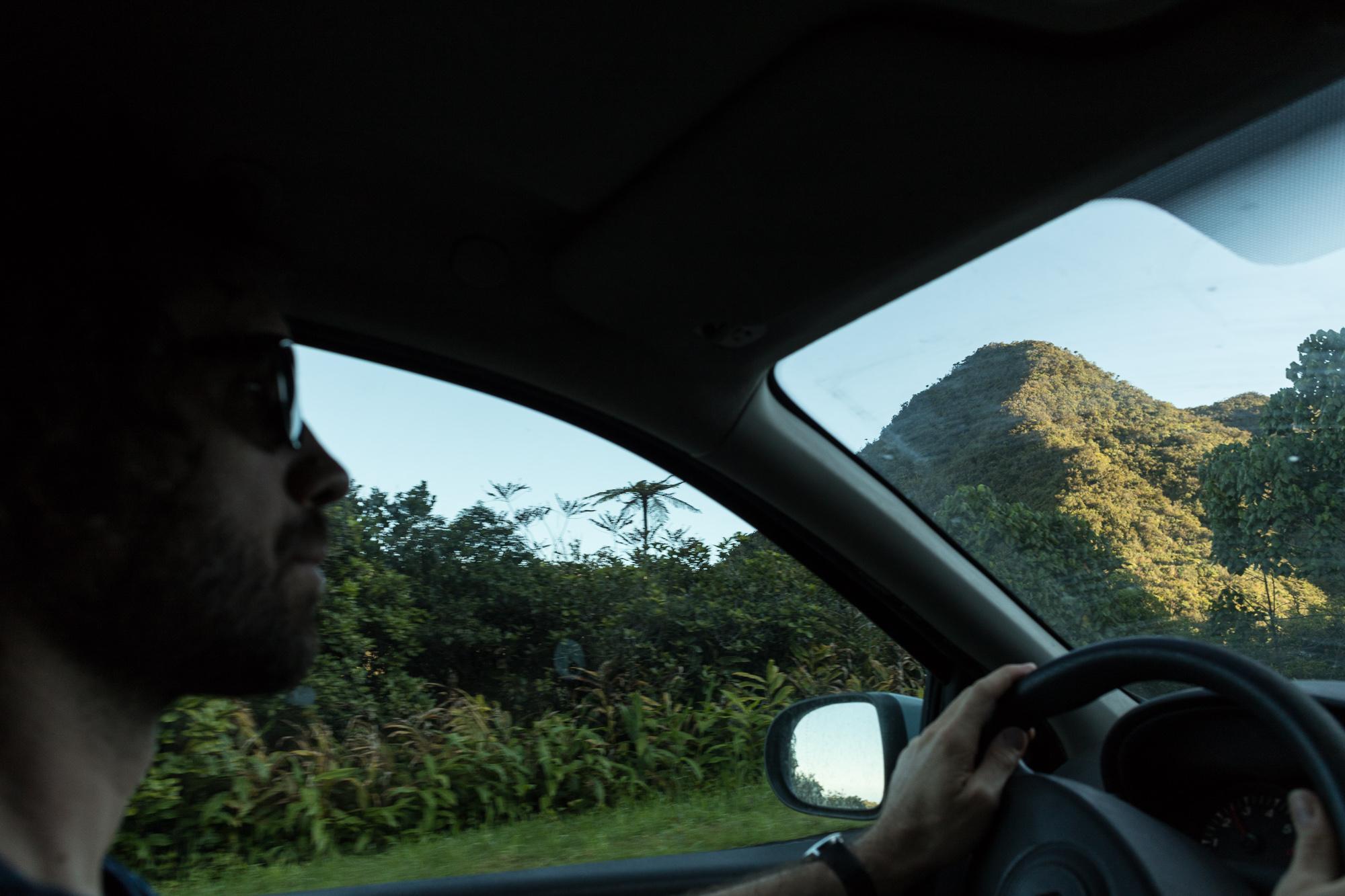 route vue depuis la voiture, la réunion
