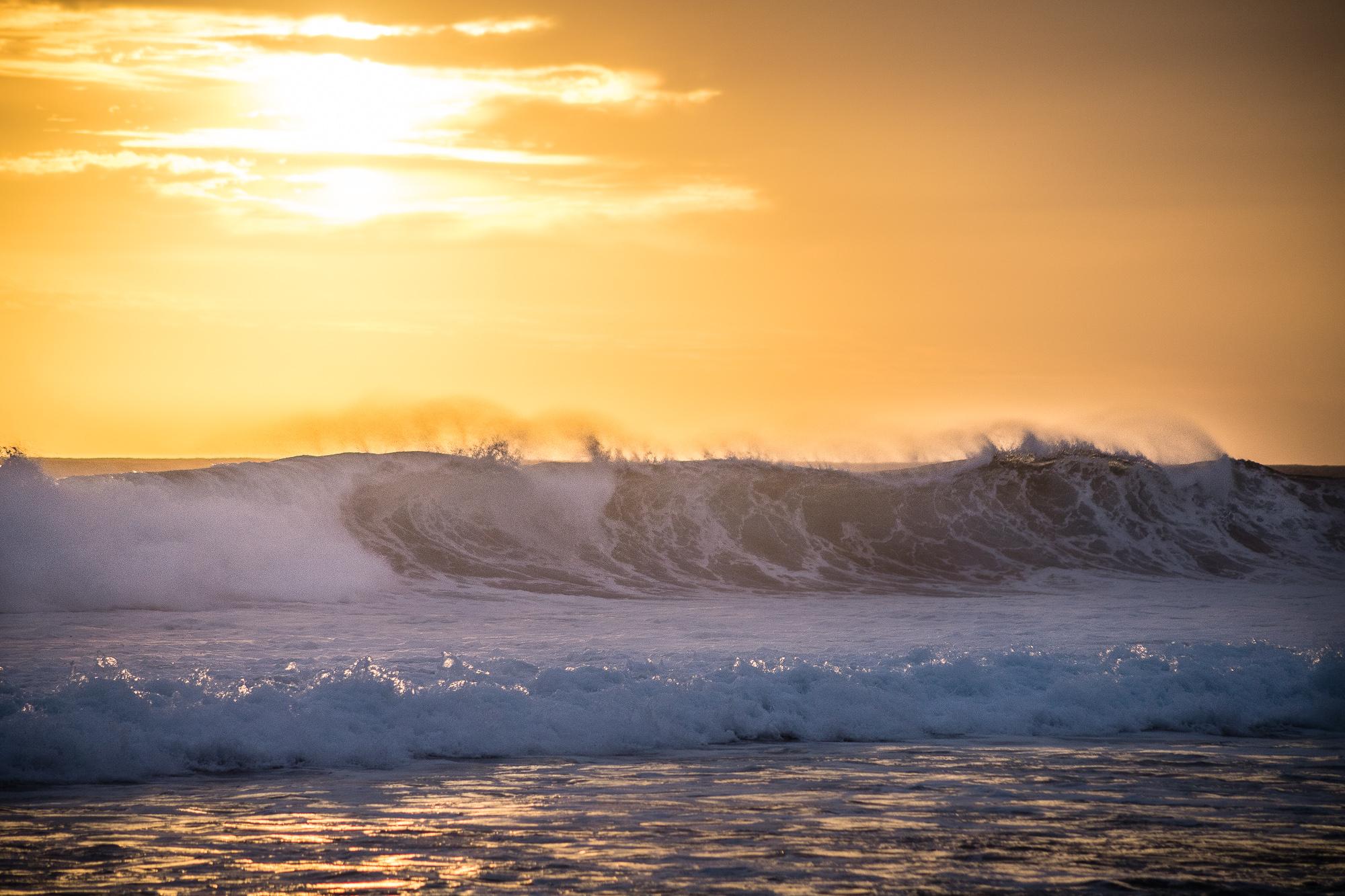 vagues coucher de soleil grande anse