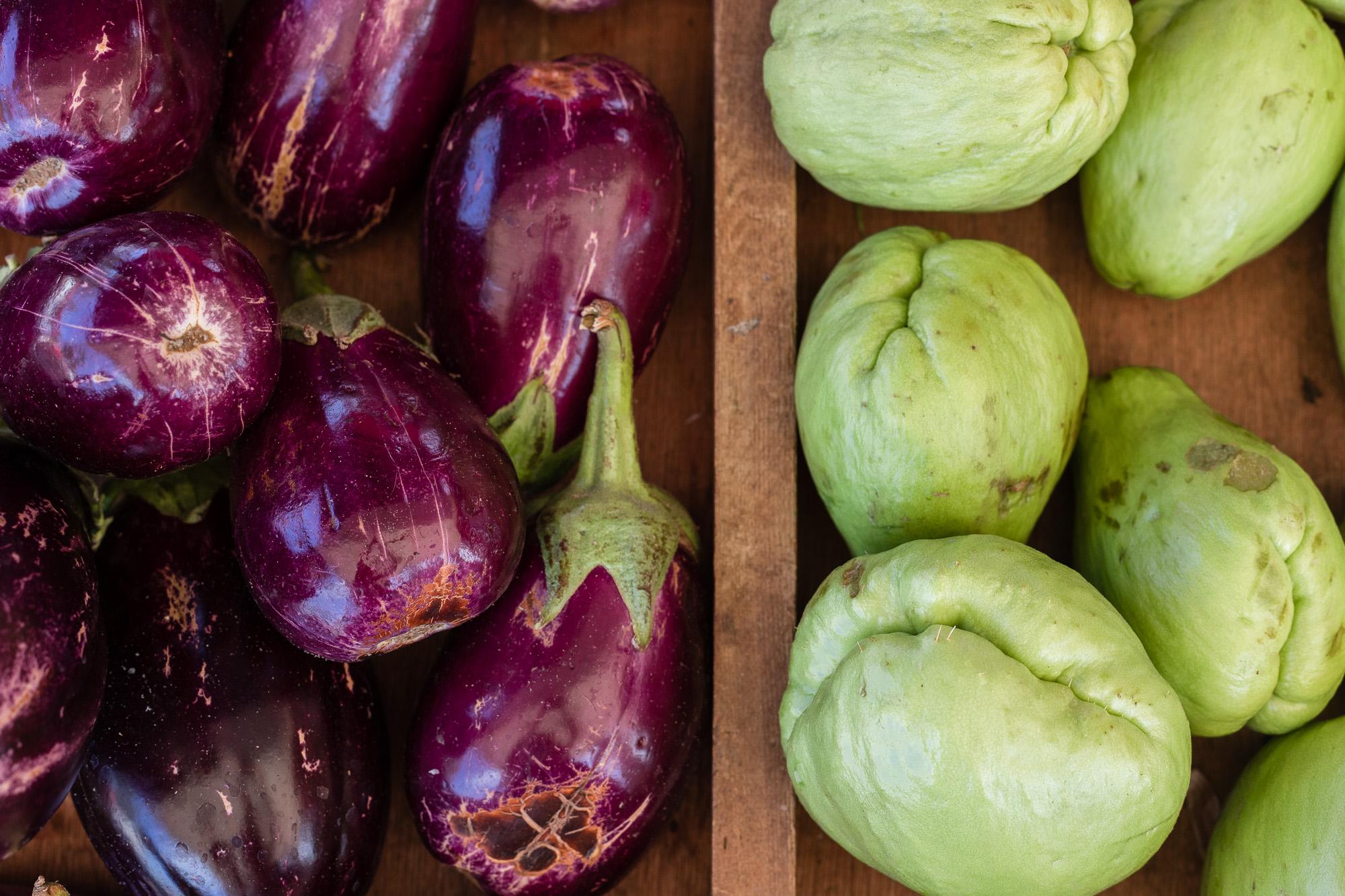 aubergine et choucou au marché de Saint Pierre